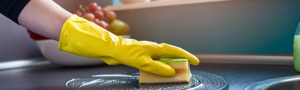 Cum cureti grasimea din bucatarie. Solutii si sfaturi practice