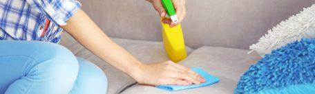 Cum cureti eficient canapelele si husele textile – trucuri utile