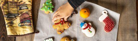 Ce deserturi pregatesti pentru sarbatorile de iarna: retete de biscuiti de Craciun