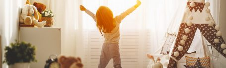 Trucuri pentru a-ti trezi copilul usor dimineata
